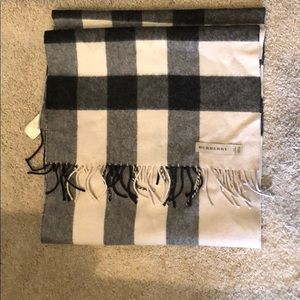 burberry large classic cashmere scarf